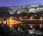 table+mountain+at+night+city+of+capetown